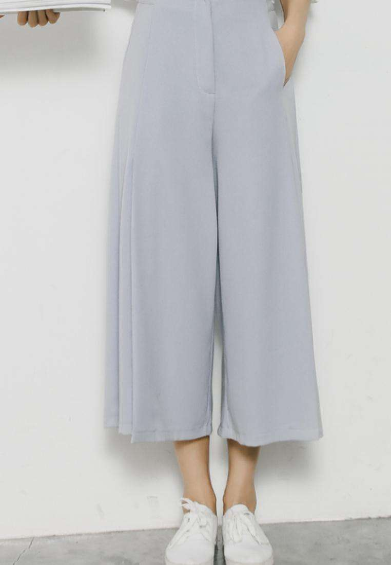 Straight Leg Pants with Splits in Grey