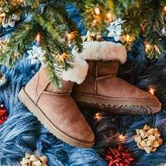 Give us a double tap if you had a Classic #Christmas. #UGGLifw