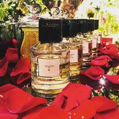 THE MOST EXCLUSIVE VALENTINES GIFT #trudon #parfume #only #at #zomersbloemen #rotterdam #flowershop #flowers #florals #valentinesday #gif #roses #redroses #valentine #flowerlovers #musthave #ciretrudon #amazing
