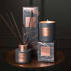 Fine sandalwood and rich patchouli entwine with earthy truffle and rich amber for an intense decadent fragrance••Link in bio: Stoneglow Luna Range••#stoneglow #scented #rosegold #home #decor #homedecor #interiordesign #interior #livingroom #bedroomdecor #candles #reeddiffuser #plumretail #design #sandalwood #patchouli #marble #homeliving