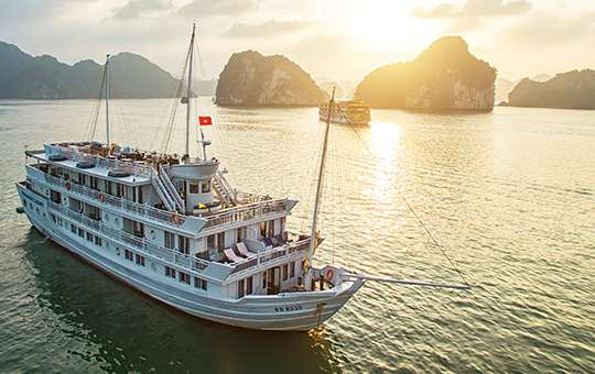 5 LUXURIOUS RIVER CRUISES