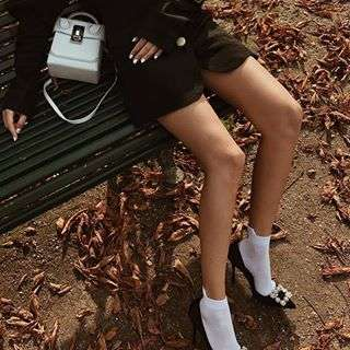 "-Yoyo with White Great L. Box bag-#Repost @yoyokulalaSocks with heels errday ðŸ'#theVOLON #thevolonbag #Yoyokulala #yoyocao #fashion #fashionista #fashiongram #ss18collection #craftmanship #styling #accessories #sac #trend #styling #bnw #fashionphotography #handbag #chic #ë""본론 #패션 #핸드백"