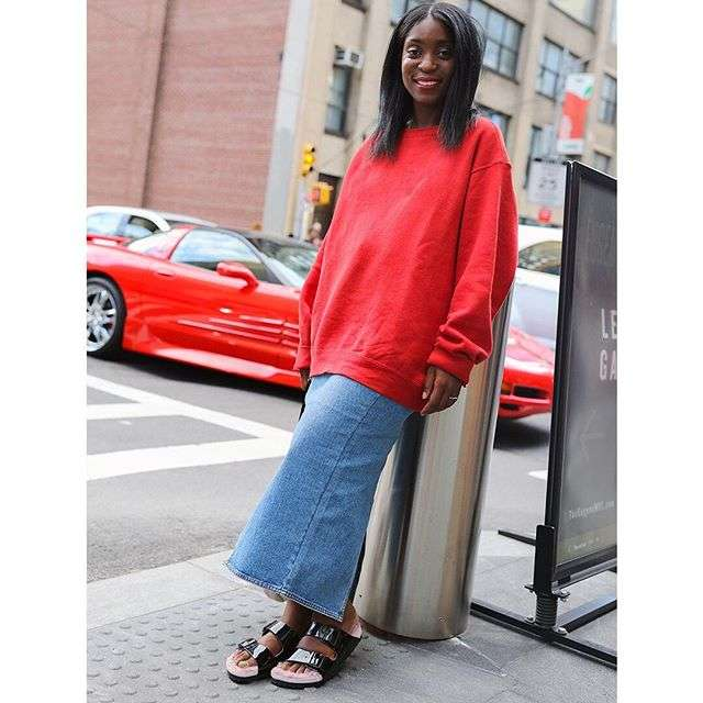 Spotted: @rajni_jacques rocking our @barneysny limited edition near our NYC Pop-Up Store - for more infos click the link in our Bio.📸 @mrstreetpeeper #birkenstocknyc #birkenstockstreetstyle