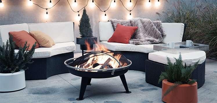 Backyard Bonfire: Firepits, Seating & More