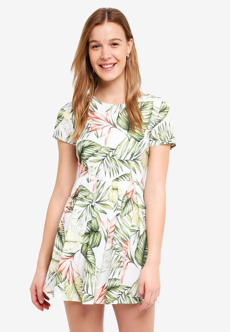 Basic Short Sleeves Fit And Flare Dress