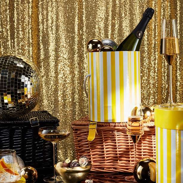 Stage-worthy hampers and gifts