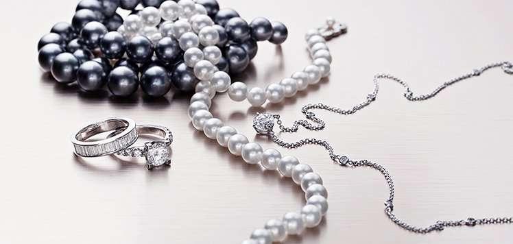 Diamonds & Pearls to Dress It Up