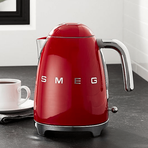 smeg-kettle-red.png?fm=jpg&q=85&w=300