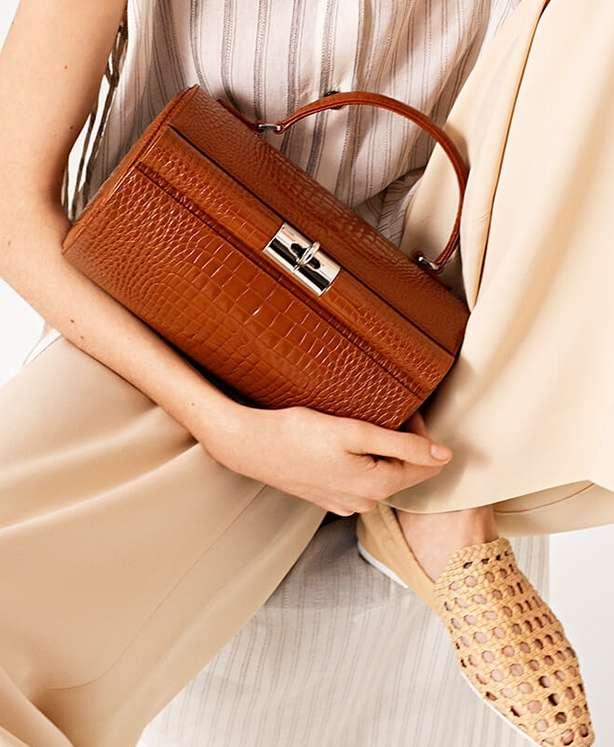 Trending: modern vintage bags