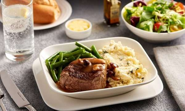 Business Class Dining Experience